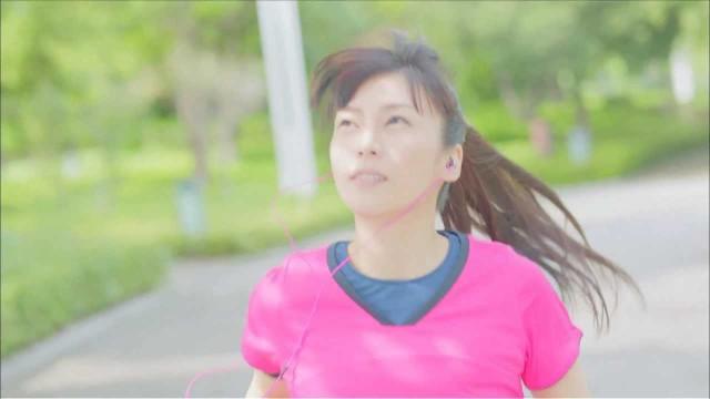柴咲コウが出演するミズノのCM「RUN & PEACE」