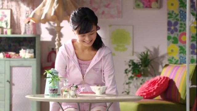 小島瑠璃子が出演する永谷園の梅干茶づけのCM